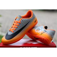 Sepatu Futsal Nike Mercurial Superfly CR7 - Orange, 39