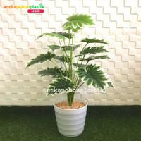 Pohon Artificial Tanaman Hias Daun Yui X18 Pot Ulir Plastik Dekorasi