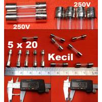 power supply box 12v ini Fuse nya / Fuse 2A / Fuse Kaca / Sekring