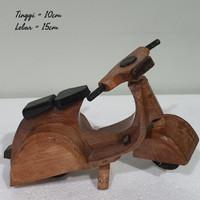 mainan kayu motor vespa kayu pajangan dekorasi home decor