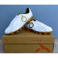 Sepatu Bola Ortuseight Raven FG Jr White-Gold