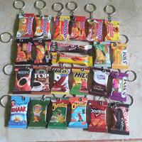 gantungan kunci souvenir miniatur snack