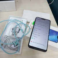 Vivo V9 4/64GB fullset minus layar retak,normal