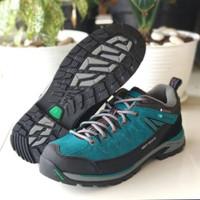 Sepatu Karrimor hot rock low waterproof original