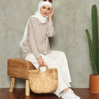 Glendy Oversized Shirt (ivory