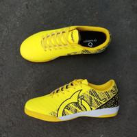 Sepatu Futsal Ortuseight Catalyst Chypher Yellow - Kuning, 39