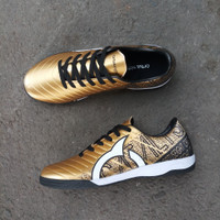 Sepatu Futsal Ortuseight Catalyst Chypher Gold - Gold, 39