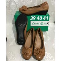 Clarks 1189 Sepatu Basic Wedges Leather