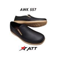 Sepatu Pantofel Karet Pria ATT AWK 557 Hitam - 41