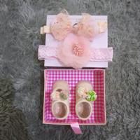 Sepatu dan bando bayi perempuan - sbbp16