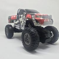 Mainan remote control Rock Crawler mobil good suspension 1:18