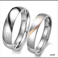 cincin couple titanium gratis ukir nama dan kotak love - couple love
