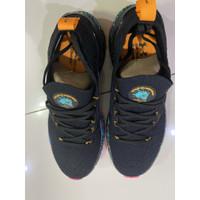 Sepatu pria under armour Men's UA HOVR™ Phantom 2 DOTD Running Shoes