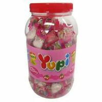 Permen Yupi Strawberry Kiss Toples 300gr (125pcs)