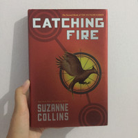 Novel Import Catching Fire by Suzanne Collins Hardcover [English]