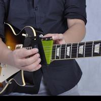 Alat pembersih senar gitar elektik /bass