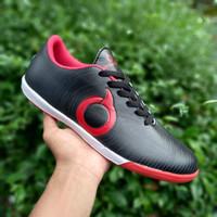 Sepatu Futsal Ortuseight Black Red - Hitam Merah, 39
