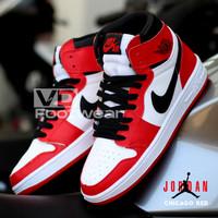Sepatu Nike Air Jordan 1 Retro Mid/High Red White Sneakers Basket