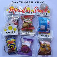 Souvenir Gantungan Kunci Miniatur Snack Bagian 1 - Random