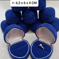 KOTAK CINCIN/BOX PERHIASAN/UK +-6,3×6×4CM MUAT 2 CINCIN/BLUDRU BIRU