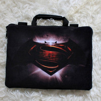 Tas Laptop batman vs superman Full Sablon 10-17 Inch Softcase Bag