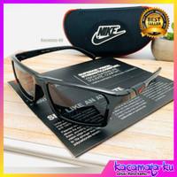 kacamata hitam Sporty Pria Nike 7878 Polarized UV Protection