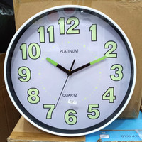 Jam Dinding Glow In The Dark Ukuran 30CM Mesin Sweep Dan Quartz