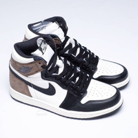 Nike Air Jordan 1 High OG Dark Mocha - 42