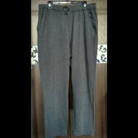Celana Training Olahraga Uniqlo Dark Grey Size XL