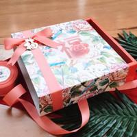BOX CNY IMLEK KOTAK PACKAGING PREMIUM 23x23x7 cm - TEMA PEONY