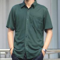 Kemeja Pria Lengan Pendek Model Formal Polos Bahan Katun Lacost - Dark Green, M
