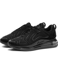 separu running pria Nike Air Max 720 All Black