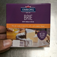 Emborg Brie White Mould Cheese 125g