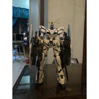 MG Unicorn Full Armor Bandai