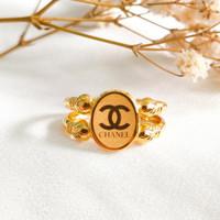 Cincin wanita Branded Oval Hadiah Teman atau Pacar Ring Gold Emas asli