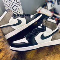 NIKE AIR JORDAN 1 HIGH DARK MOCHA