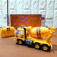 Diecast Truck Kinsmart Uni-Car P-Series Cement MIxer