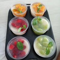 puding susu topping buah mangga,stroberry dan anggur isi 6