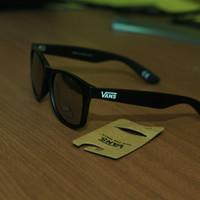 kacamata hitam vans spicoli