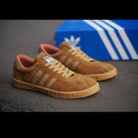 Sepatu Sneakers Pria Kasual Adidas Hamburg Grade Original Berkualitas