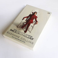 Novel The Hunger Games #3: Mockingjay by Suzanne Collins