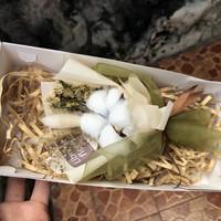 mini hampers lebaran dried flower