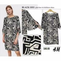 H*m v neck dress - black Geo