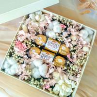 Dried flower box / box bunga kering + ferrero rocher