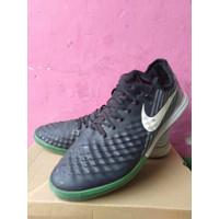 Sepatu Futsal Nike Tiempo second ukuran 44