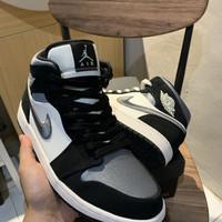 Air Jordan 1 mid satin grey size 9us/42.5