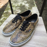 Vans authentic snakeskin original size 9 not sk8 oldskool slipon