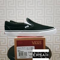 Vans Classic Slip on Black White Global Released - 35