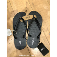 Rubi Thong Patent Strap Black Sandal Jepit