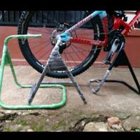 Paddock Hollowtech 2 Stand Bike Standar Tengah Sepeda